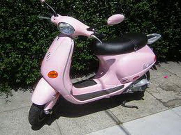 розовый Vespa LX 50