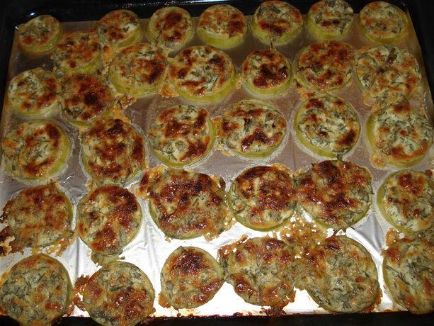 Блюда из кабачков: кабачки в сметане с зеленью