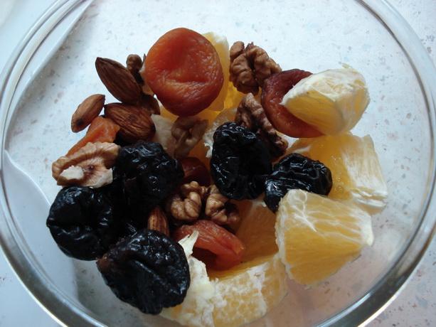 курага, чернослив, апельсин, орехи