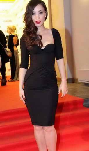 Виктория Дайнеко как все женщины имеет маленькое черное платье