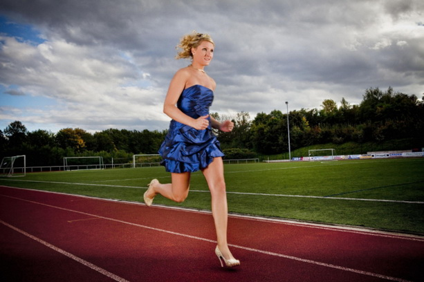 Юлия Плечер забег на каблуках