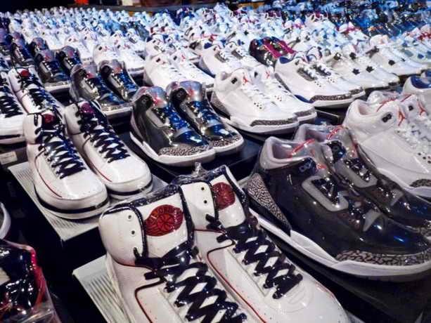 Коллекция из 2500 кросовок