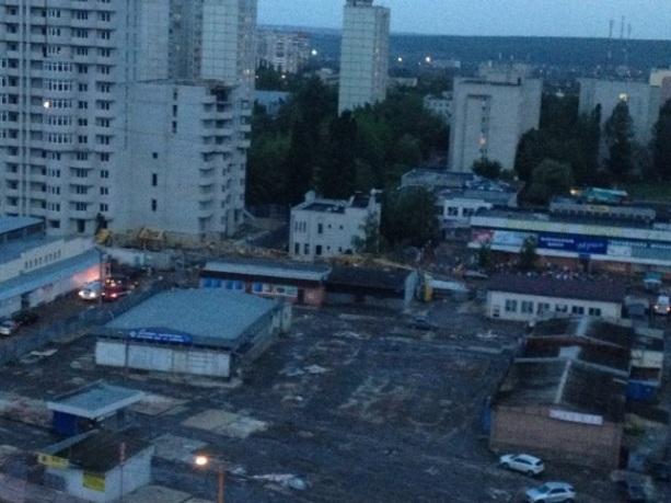 Кран упал в Харькове