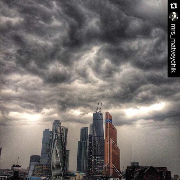 Москва гроза небо