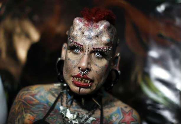 Топ 10 страшных женщин мира знаменитостей. Фото