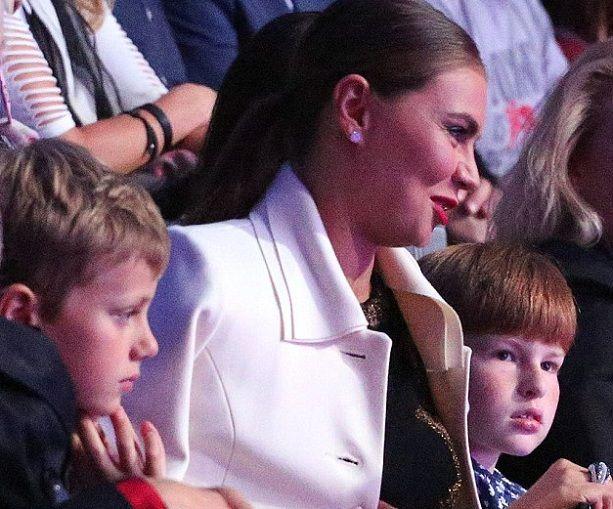Алина Кабаева с детьми