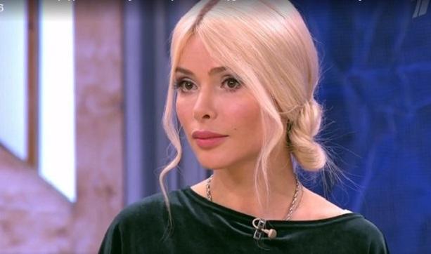 модель, актриса и певица Алена Кравец