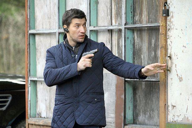 Александр Устюгов пистолет стрельба Ментовские войны сериал