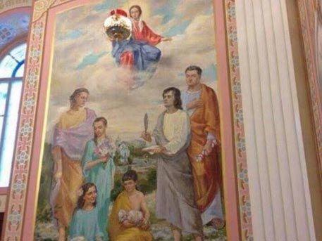 Фреска Порошенко с собственным лицом в личном храме шокировала украинцев