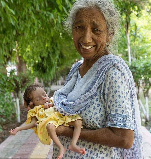 Самая старая мама в мире Дальджиндер Каур из Индии