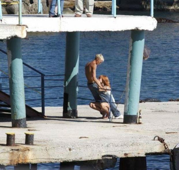 Фото любовников, которых застукали