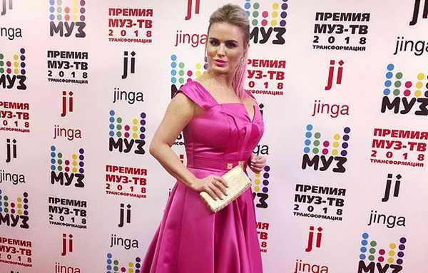 Анна Семенович на Муз-ТВ