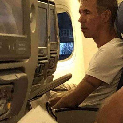Пьяный Алексей Панин устроил скандал в самолете Симферополь - Москва и был снят с рейса