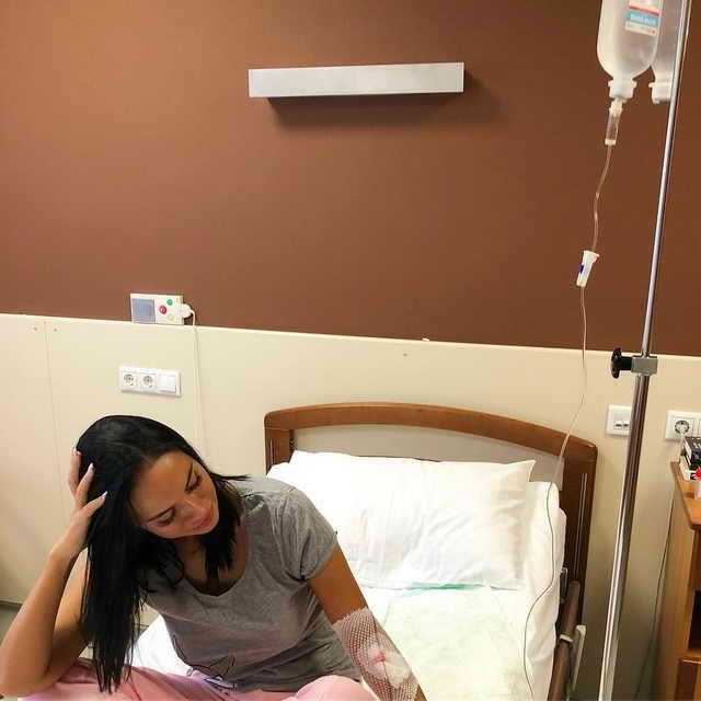 Телеведущая Яна Кошкина в больнице под капельницами