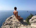 Голый Алексей Панин публикует фото в инстаграм из Крыма