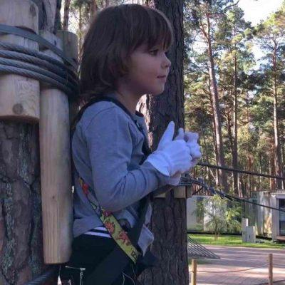 Сын Аллы Пугачевой и Максима Галкина - Гарик занимается на тарзанке