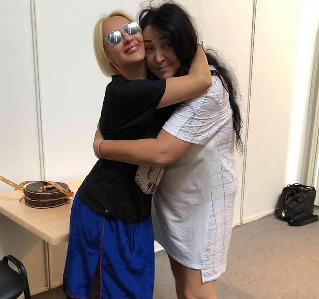 Лера Кудрявцева и Лолита Милявская на Новая Волна 2018