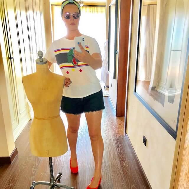 Екатерина Андреева телеведущая Время в 53 года прекрасно выглядит