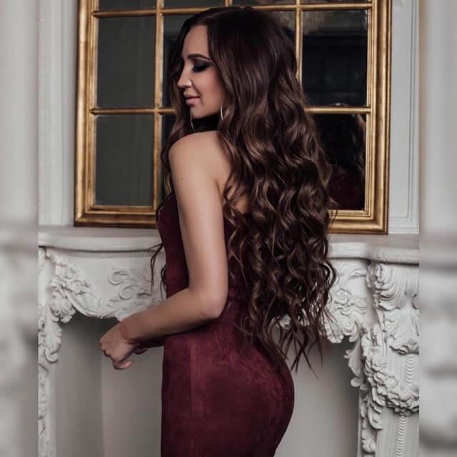 Ольга Бузова демонстрирует попу