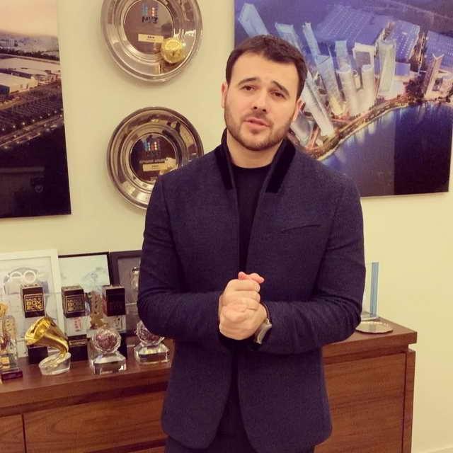 Эмин Агаларов отложил тур
