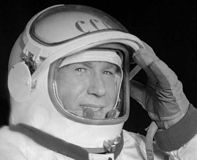 Алексей Леонов 11-й космонавт СССР, первым вышел в открытый космос 1965 году
