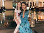 Виктория Боня с дочкой Анджелиной в Таиланде.