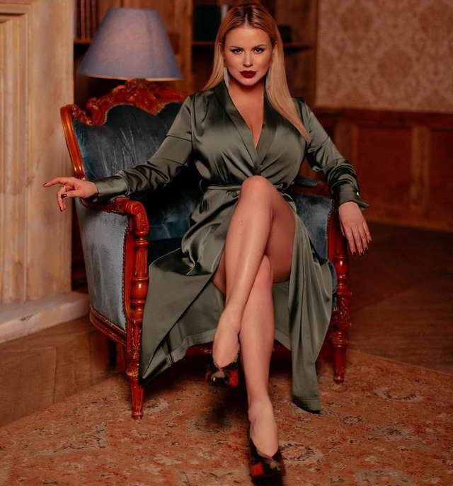 Анна Семенович в день своего 39-летия