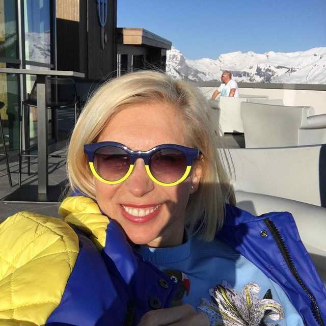 Алена Свиридова на отдыхе во Франции