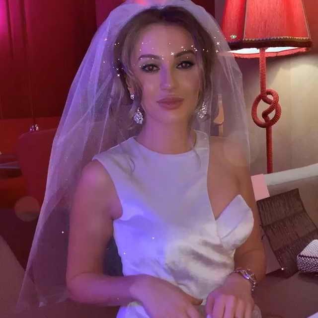 Дочь Александра Серова Мишель в свадебном наряде