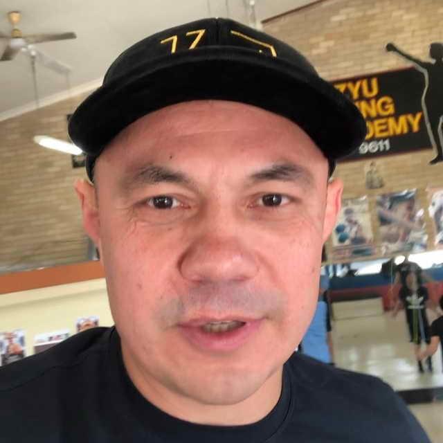 Костя Дзю - легендарный российский боксер, чемпион мира