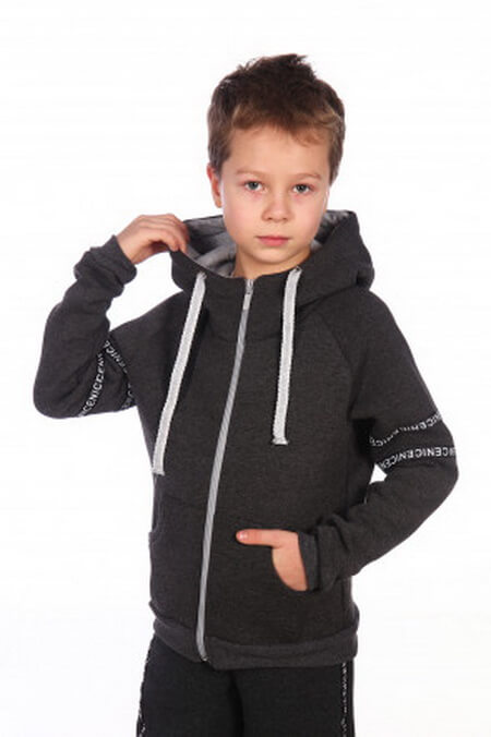 Особенности выбора модной и современной толстовки для мальчика