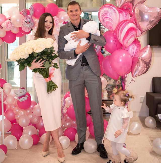 Дмитрий Тарасов, Анастасия Костенко после рождения второй дочки