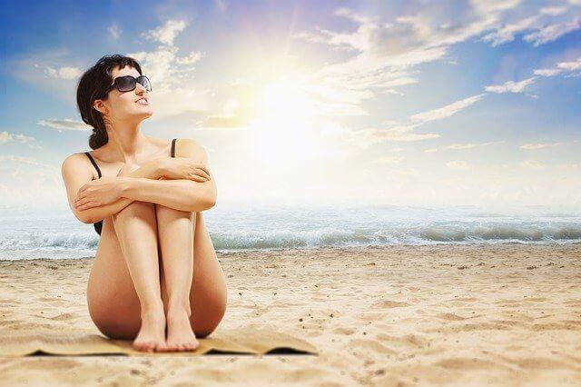 Тепловой и солнечный удар. Первая помощь. Симптомы и лечение