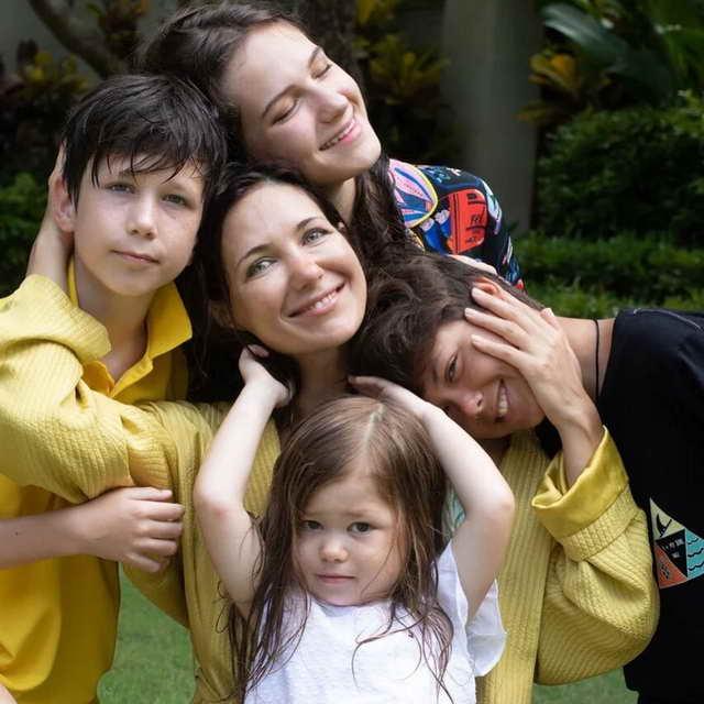 Екатерина Климова со своими детьми: Елизавета, Матвей, Корней и Изабелла