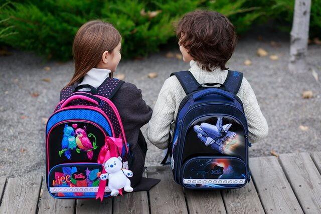 Почемы школьный ранец - это стильно