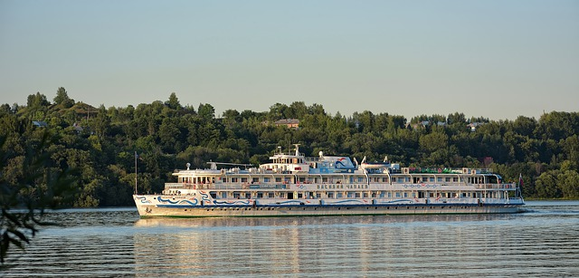 Отдых на теплоходе река Волга