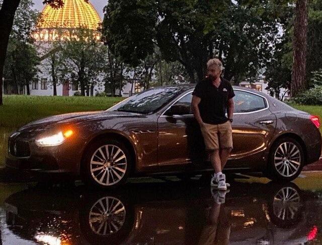 Бывший муж Полины Гагариной Дмитрий Исхаков нафотографировал на Мазерати?