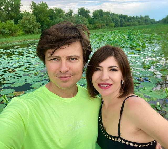 Прохор Шаляпин и бизнесвумен из Астрахани Рада Смирнова