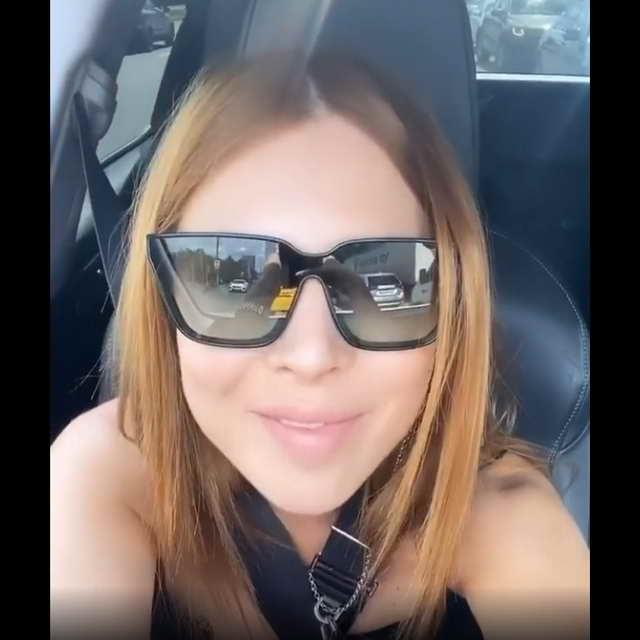Наталья Подольская шлет привет из авто