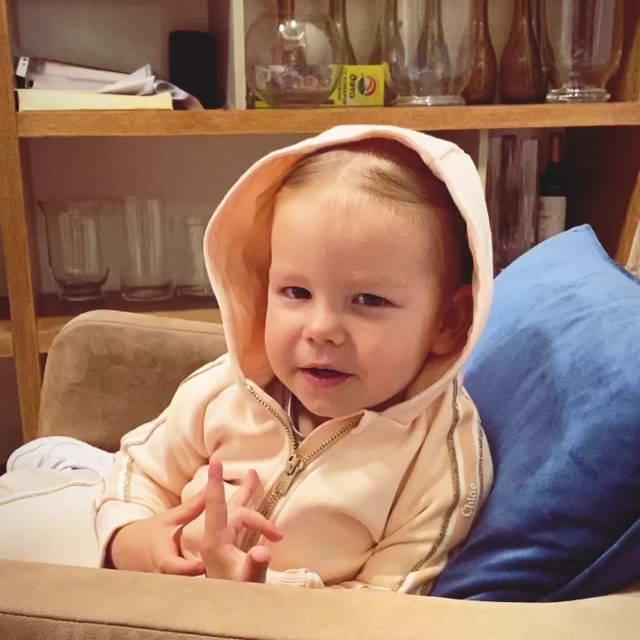 Дочь певицы Нюша Симба - 1 год и 10 месяцев