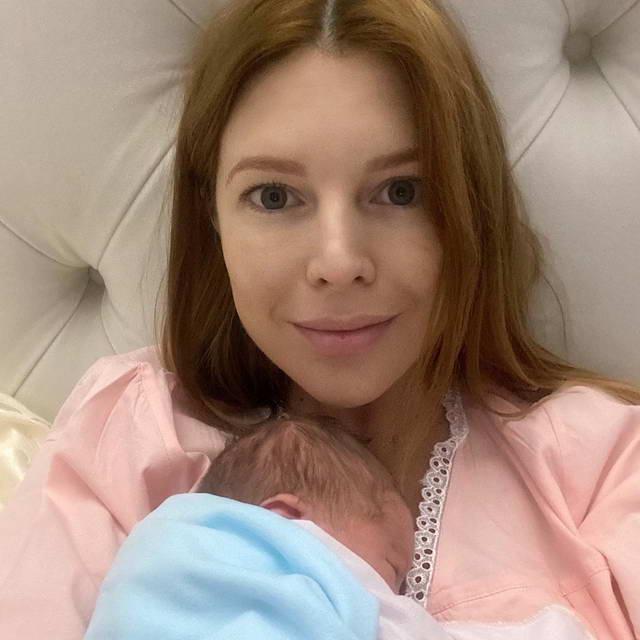 Наталья Подольская с новорожденным сыном Ваней