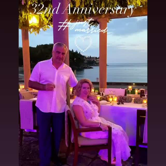 Самвел и Етери Карапетян празднуют 32 годовщину супружества