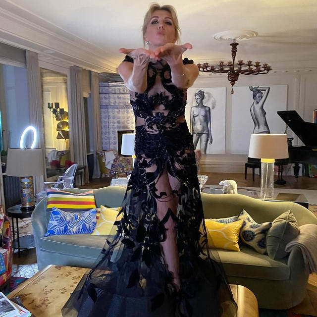 Светлана Бондарчук в платье от Юдашкина