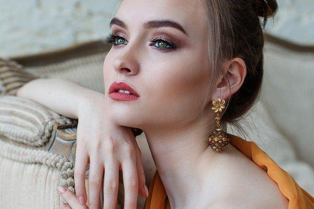 Модные идеи макияжа 2021 — о трендах визажа на мировых подиумах