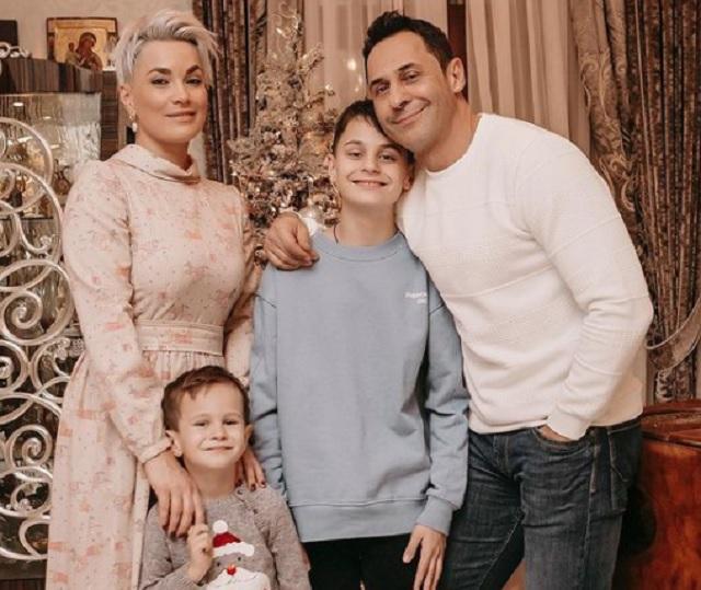 Стас Костюшкин семья