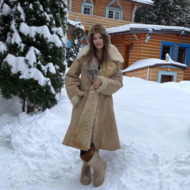 Мишель Серова подготовилась к морозам за 20 тулуп, ушанка и валенки
