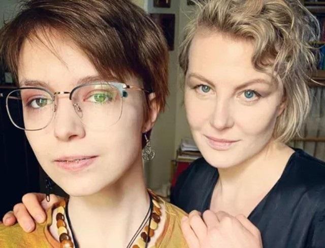 Анна-Мария Ефремова Рената Литвинова