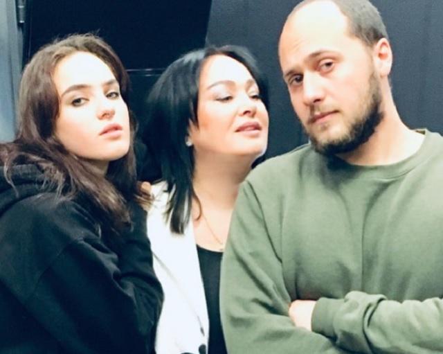 Лариса Гузеева, дочь, сын