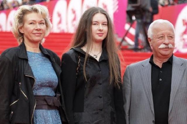 Леонид Якубович, дочь, внучка