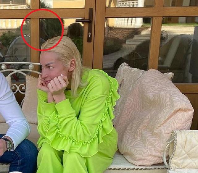 «Носатенький»: Волочкова случайно показала своего жениха Олега
